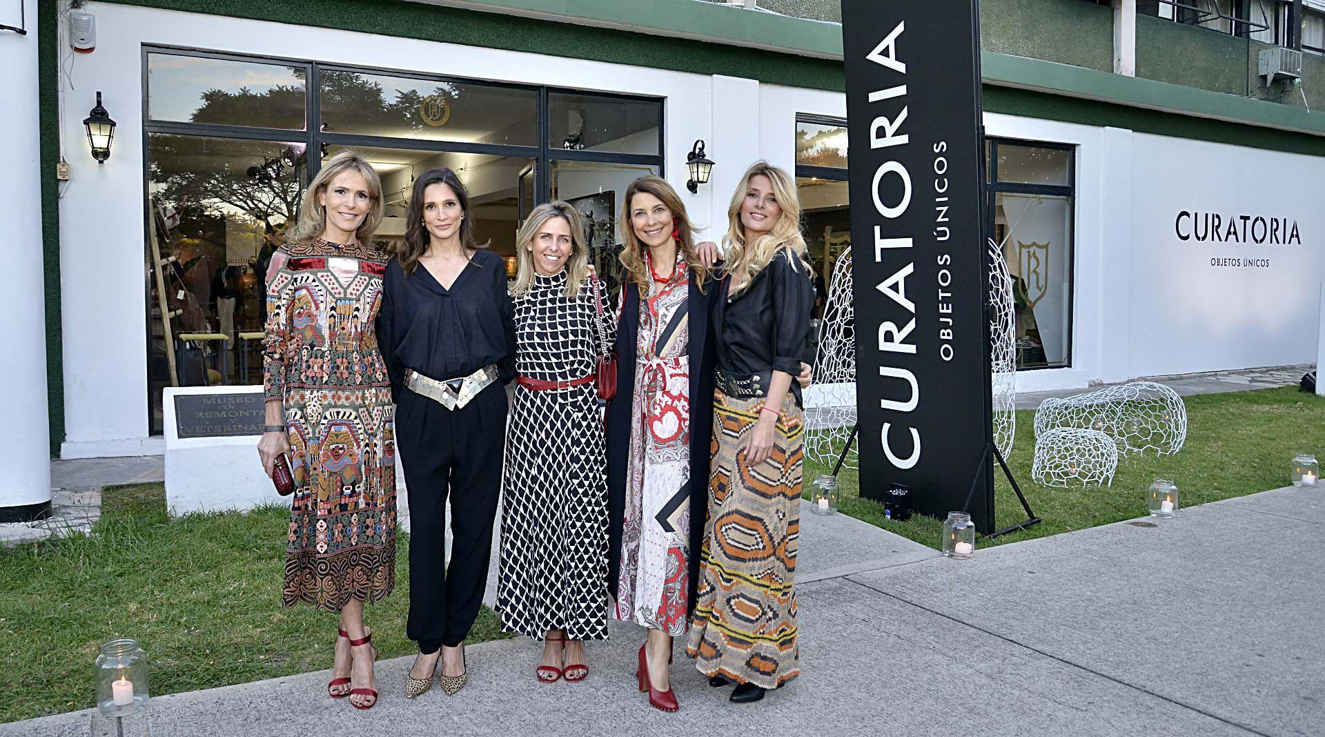 """Rossella Della Giovampaola, Astrid Muñoz, Mariana Bagó, Adriana Batan de Rocca y Andrea """"Tucu"""" Martínez"""