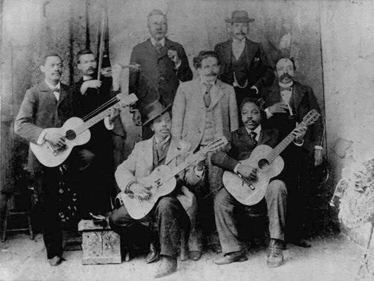 Gardel fue influenciado por Gabino Ezeiza y algunos payadores, 1905. (Fundación Internacional Carlos Gardel)