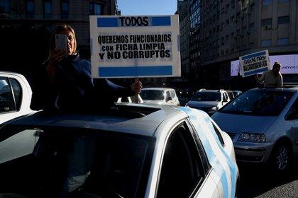 Todos los carteles tuvieron consignas en contra de la gestión de Fernández y de la vicepresidenta Cristina Kirchner