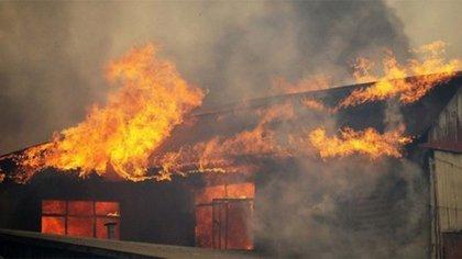 El incendio destruyó cinco viviendas