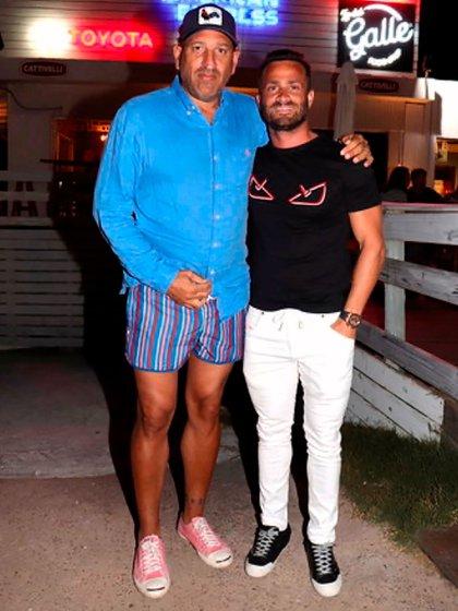 El Gallego con Martín Baclini quien, después de bailar en Tequila, estacionó su Ferrari colorada en la puerta del bar, y desayunó de madrugada antes de irse a acostar