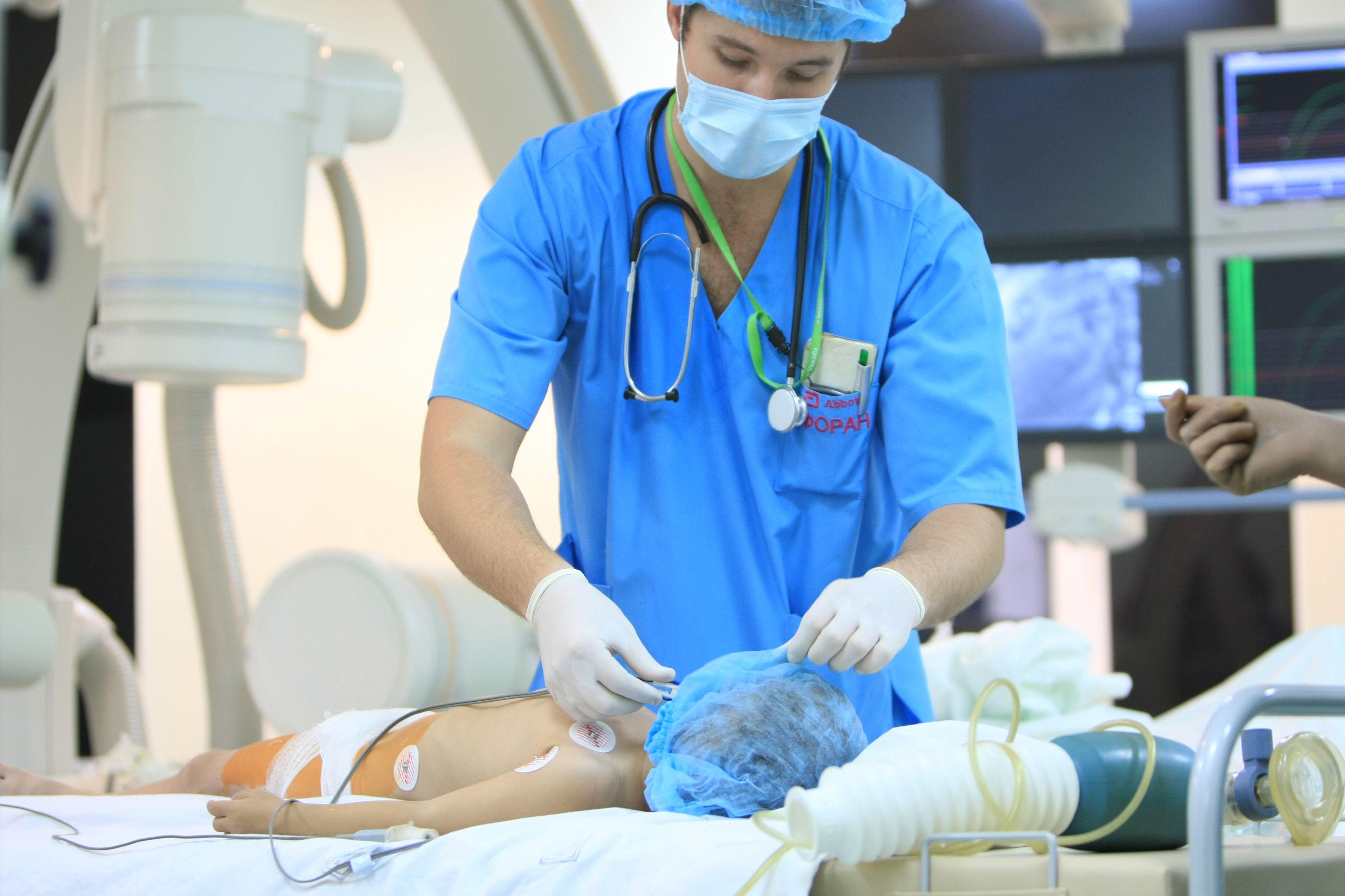 En nuestro país nacen 7000 niños y niñas anualmente con estas anomalías, de los cuales el 50% van a requerir cirugía durante el primer año de vida (Shutterstock)