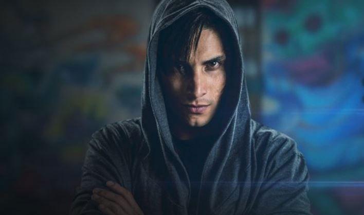 Álex Perea es el actor que encarna al hacker en la serie. (Foto: Twitter)