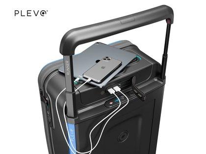 Existen diferentes modelos de valijas inteligentes, con diferentes tamaños, y hasta un modelo permite llevar la ropa con perchas de forma vertical para que no se arruga. Todos los modelos tienen cerradura inteligente, sensores de peso, GPS y otras funcionalidades