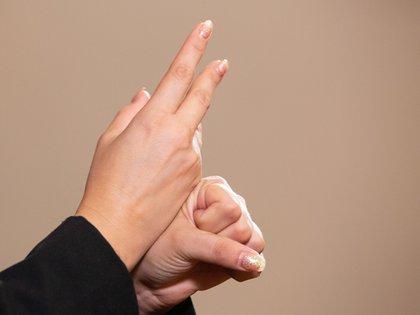 Entre los distintos lenguajes de señas existe uno que permite comunicarse a nivel internacional (Foto: Cuartoscuro)