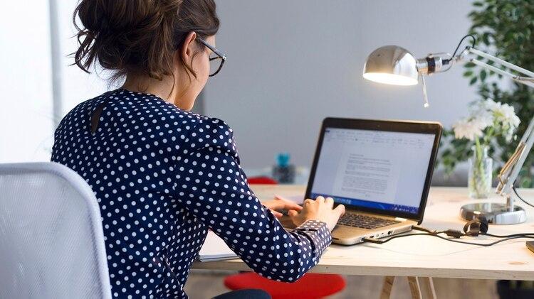 La búsqueda de expertos en desarrollo web creció un 92,3% en un año, en la plataforma Freelancer (IStock)