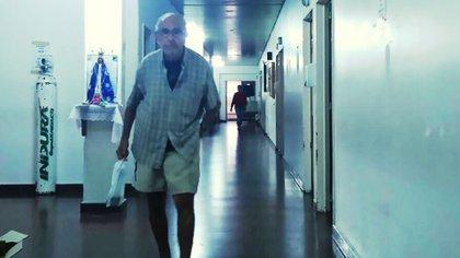 Ricardo Barreda, en los pasillos del Hospital Magdalena V. de Martínez, en Pacheco