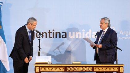 Alberto Fernández le tomó juramento a Jorge Ferraresi como ministro de Desarrollo Territorial y Hábitat