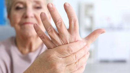 Se caracteriza por el dolor y la inflamación de las articulaciones (Shutterstock)