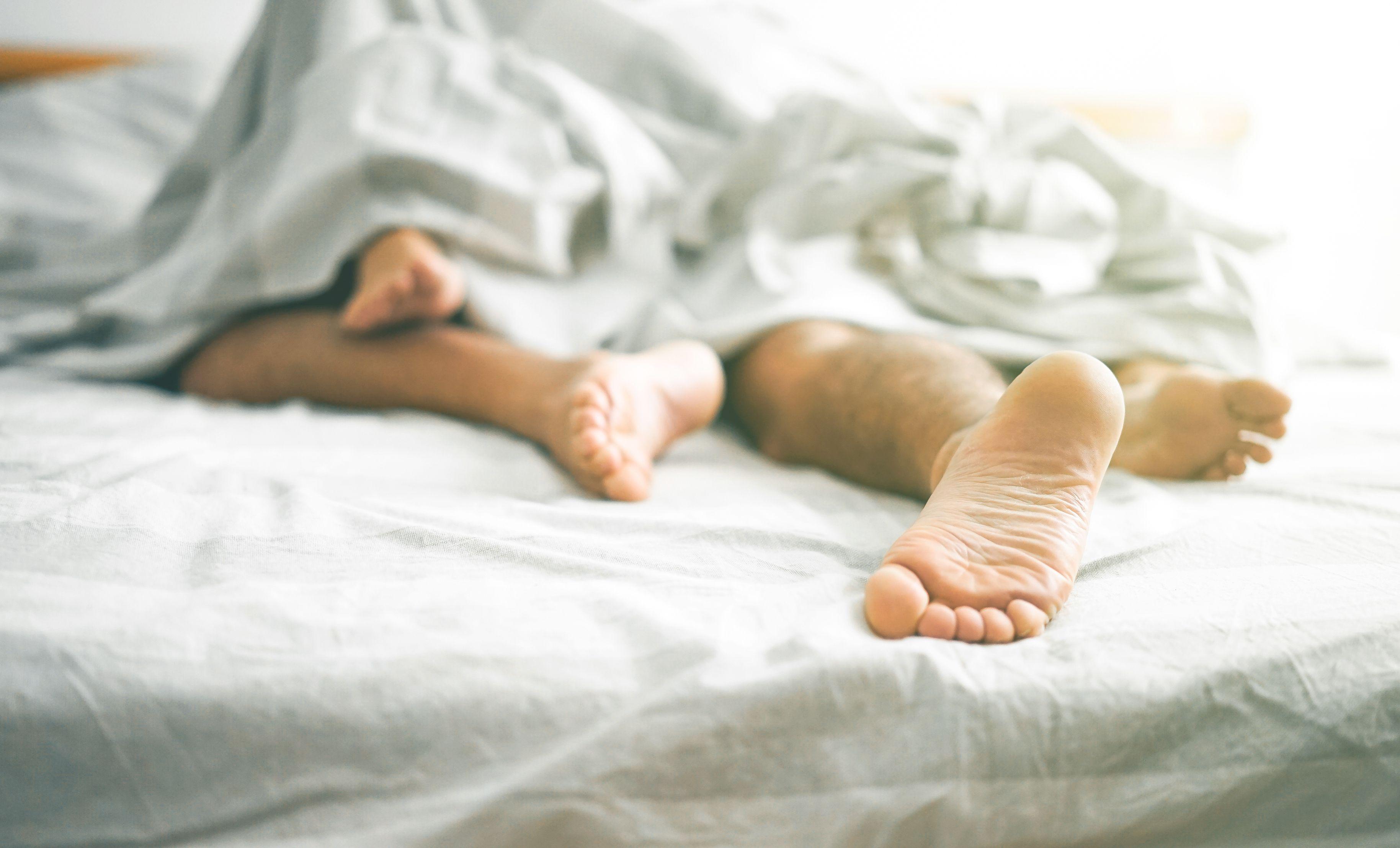 En Argentina más del 98% de las infecciones se producen por relaciones sexuales sin protección y se estima que 139.000 personas viven con VIH, de las cuales el 17% desconoce su diagnóstico (Shutterstock)