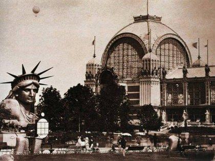 La cabeza de la Estatua de la Libertad durante París 1889