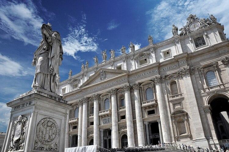 El Museo Vaticano, para acceder se forman numerosas filas de visitantes