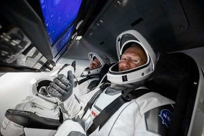 Los astronautas de la NASA amerizaron con éxito en EEUU