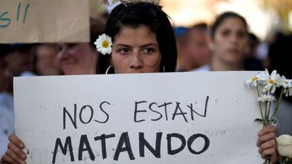 El estado dejó de dar estadísticas oficiales sobre los femicidios en 2015 (AP)
