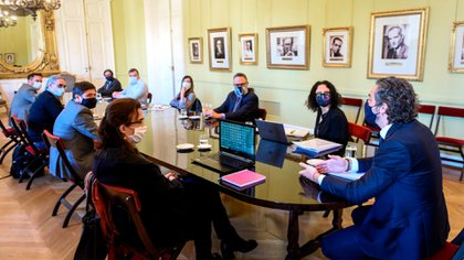 Primera reunión del Gabinete de Planificación Urbana y Hábitat