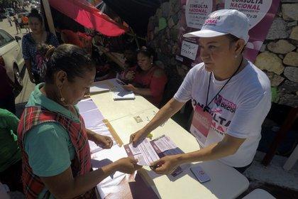 Un grupo de ciudadanos afines a Morena logró recolectar algo más del porcentaje de firmas necesarias para solicitar consejos populares (Foto: Quartoscoro)