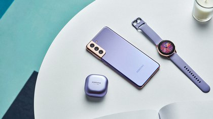 El Samsung Galaxy S21+ con los nuevos bud y smartwatch
