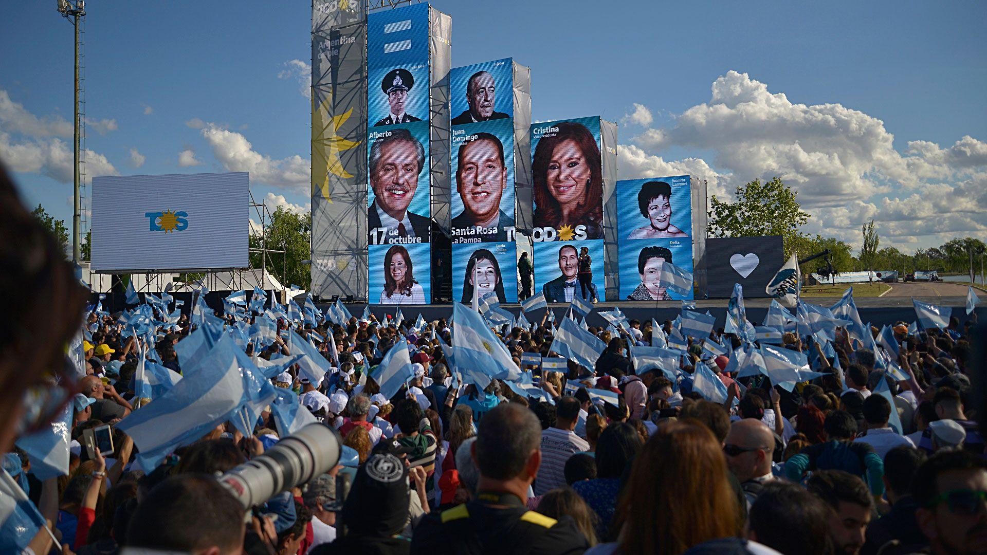 El acto del 17 de octubre de 2019 del Frente de Todos en La Pampa. (Gustavo Gavotti)