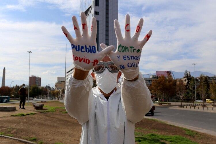 En Chile la cuarentena por Covid frenó las protestas sociales por la desigualdad económica, jubilatoria, educativa y de género (REUTERS/Sofia Yanjari)