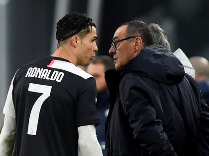 La hermana de Cristiano Ronaldo apuntó a Maurizio Sarri tras la derrota por penales ante Napoli en la final de la Copa Italia (REUTERS/Massimo Pinca)