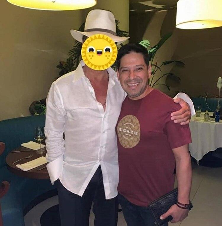 La imagen de Carranza en la que no se puede ver el rostro de Luis Miguel (Instagram)