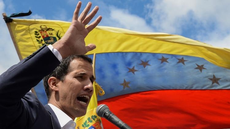 El opositor Guaidó se autroproclamó presidente de Venezuela (AFP)