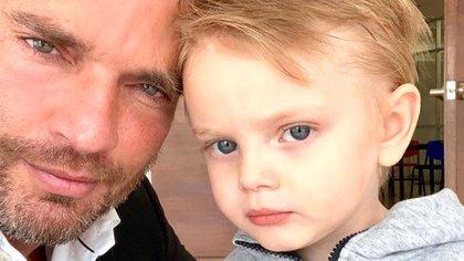 Gil casi no ha convivido con su hijo Matías (Foto: Instagram)