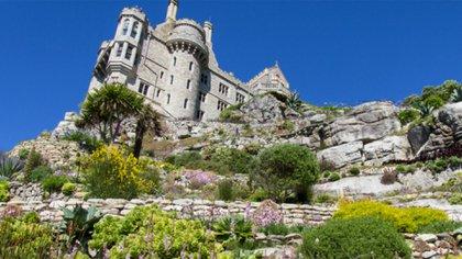 La familia Saint Aubin es la administradora del castillo y vive en esta imponente joya arquitectónica