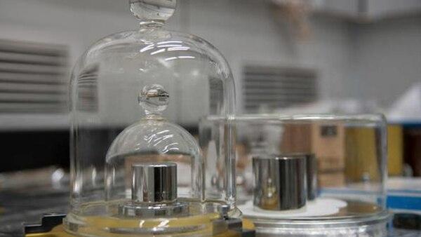 La unidad kilogramo referente del peso en todo el mundo se encuentra en París