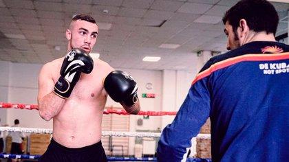 Federico Colombi se muestra en Instagram como boxeador (@coloshot)