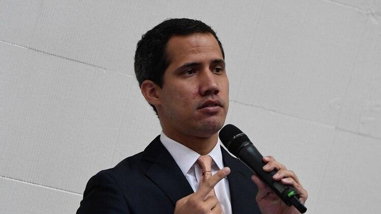 Juan GUaidó rechazó el posible adelantamiento de las elecciones parlamentarias (AFP)