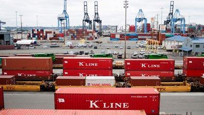 El crecimiento económico está golpeado por las tensiones comerciales y la reducción en las inversiones (The New York Times)
