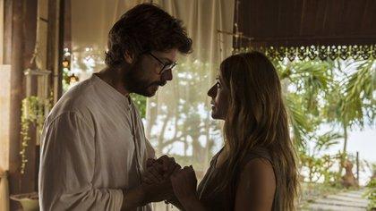 Álvaro Morte (El Profesor) y Itziar Ituño (Raquel Murillo)
