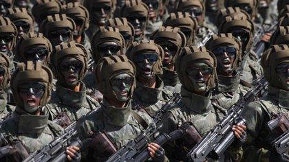 Corea del Norte celebra un desfile militar (AFP)