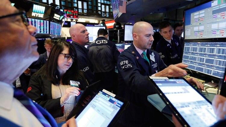 Wall Street se acerca a cerrar un año de ganancias históricas