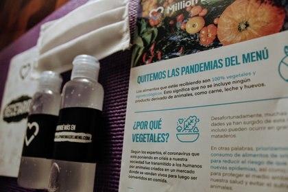 """MDV - Campaña """"Quitemos Las Pandemias del Menú"""" en distintos barrios - Challenge Veganismo (Million Dollar Vegan)"""