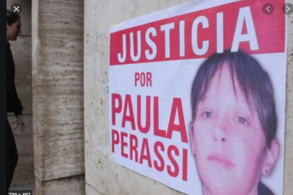A poster demanding justice for the disappearance of Paula