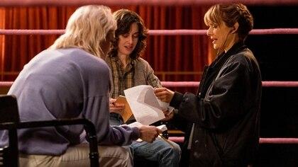 "Lynn Shelton durante el rodaje de ""Glow"""