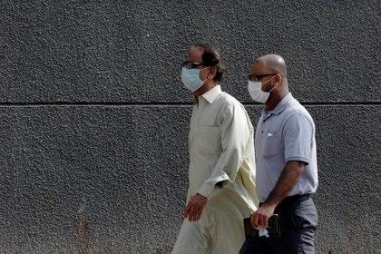 El coronavirus mantiene en alerta al mundo (REUTERS/Akhtar Soomro)