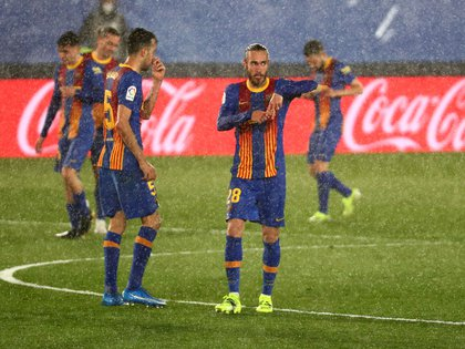 Mingueza, autor del 1-2 en el clásico bajo una lluvia torrencial (REUTERS/Sergio Perez)