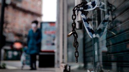 Locales cerrados por la pandemia en la ciudad de Buenos Aires (EFE/Juan Ignacio Roncoroni)