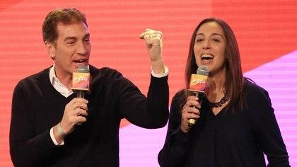 Diego Santilli y María Eugenia Vidal, juntos en un acto de Cambiemos; ambos figuran como presuntas víctimas de espionaje ilegal