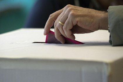 Las elecciones de 2021 renovarán, además de las 15 gubernaturas, la totalidad de la Cámara de Diputados y miles de puestos locales (Foto ilustrativa: Massimo Percossi/ EFE)