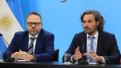El ministro de Desarrollo Productivo, Matias Kulfas y el jefe de Gabinete, Santiago Cafiero, hablaron de descongelamiento, pero el presidente relativizó el tema