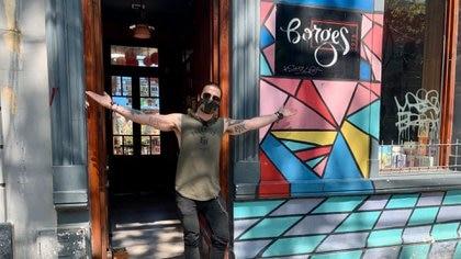 Lleva años en rubro de la coctelería, descubrió su lugar en Palermo  -Borges 1975- que abre sus puertas en un formato de café lounge en noviembre