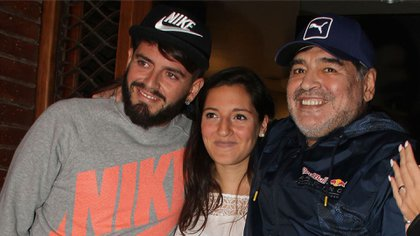 Diego Jr., Jana y Diego Maradona