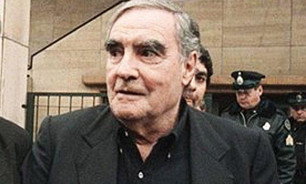 Massera fue juzgado por el juicio a las Juntas Militares en 1985 y condenado a cadena perpetua. Murió el 11 de noviembre de 2010