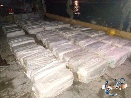 El extraditado, de acuerdo con investigaciones de las autoridades españolas, operó el envío de diversos cargamentos de cocaína desde Costa Rica (Foto: Semar/REUTERS)