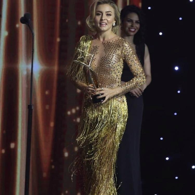 El Bochornoso Error De Angelique Boyer En Los Premios