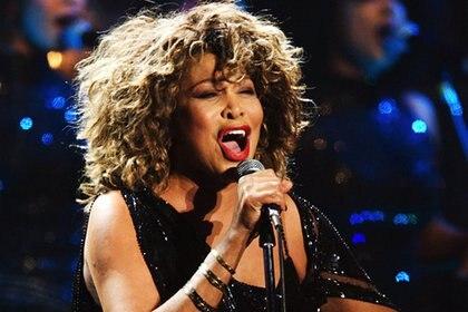 Tina Turner actualmente reside en Suiza, con su esposo, Erwin Bach, con quien se casó en 2013.